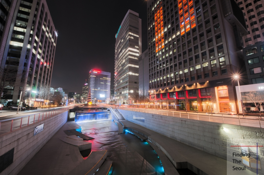 cheongyecheon-plaza-night