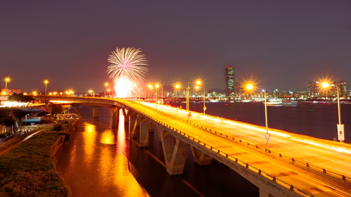 Seoul International Fireworks Festival (서울세계꽃축제)