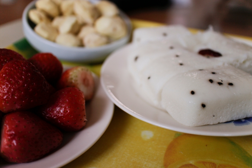 Seollal Rice Cakes and Strawberries