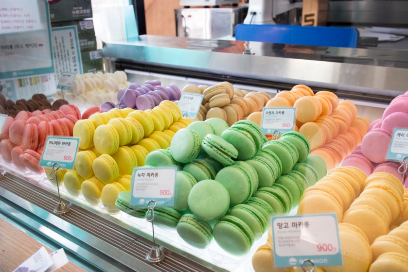Mariwhale Macarons Displayed 2