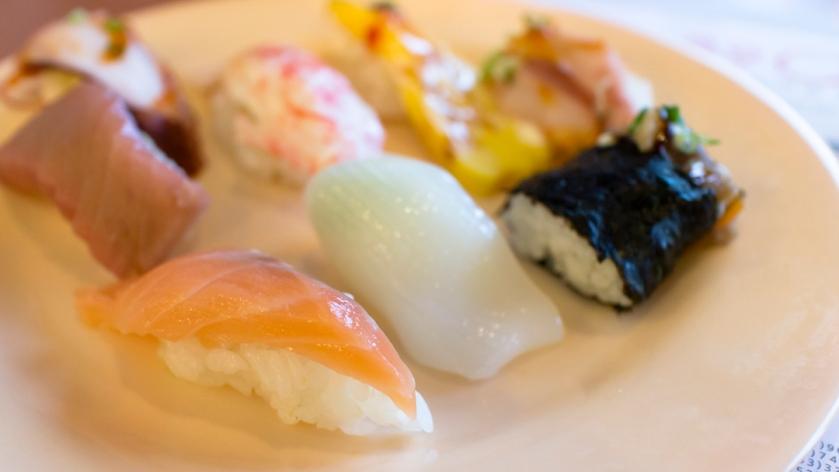쿠우쿠우 Qoo Qoo Sushi salmon Squid