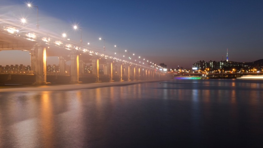 Banpo Bridge 반포대교 Fireworks Blue Hour
