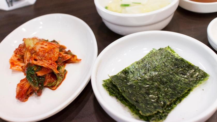 복창동순두부  5 kimchi side dishes