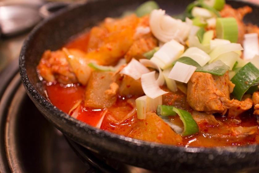 Masan Agujjim 마산아구찜 Stir fry spicy chicken 닭볶음탕