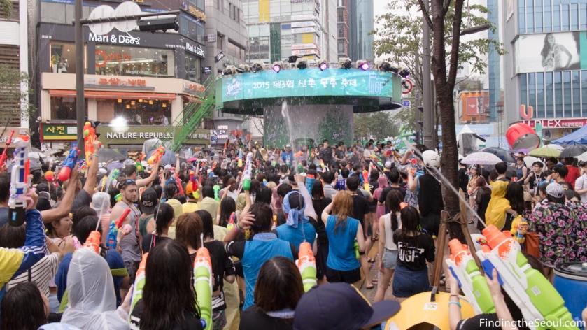 Sinchon Water Gun Festival 신촌 물총축제 Dance Party