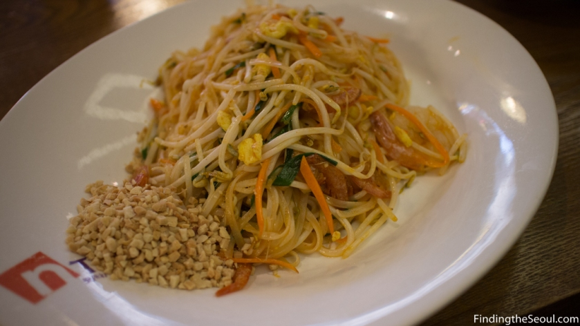 N Thai 엔타이 Pad Thai full dish