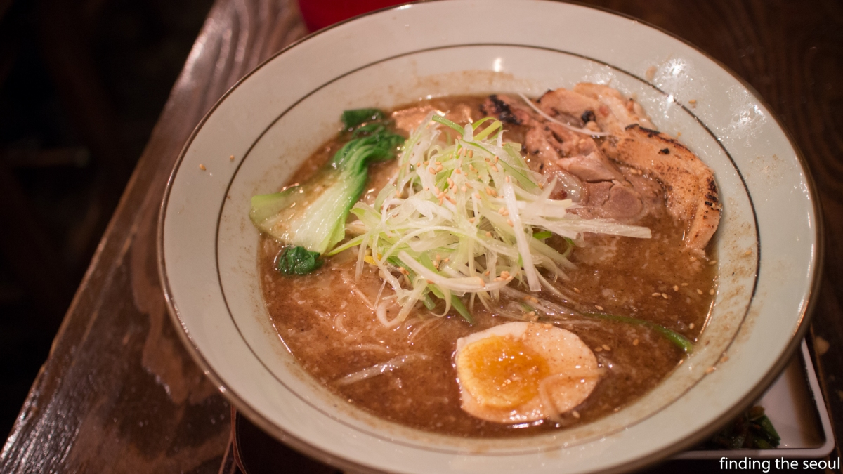 Ramen Restaurants in Hongdae: 멘야산다이메 (Menya Sandaime)